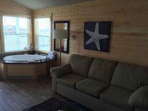 Marina view Jetted Tub Cottage - 2 Person Photo 2